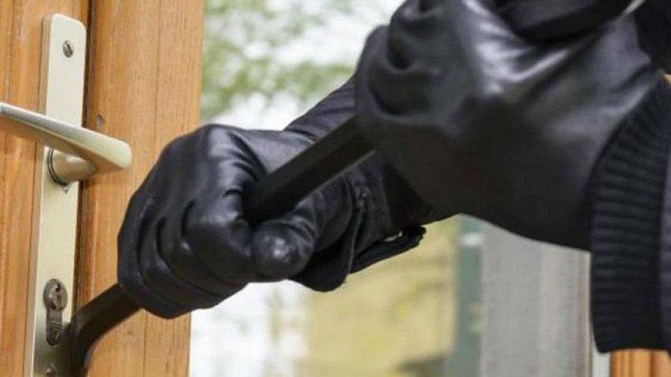 evitar robo vivienda en verano